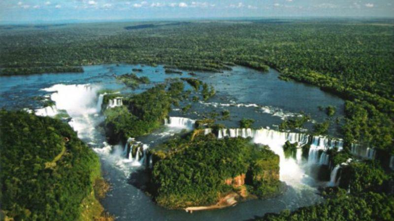 Argentina - Buenos Aires, El Calafete and Puerto Iguazú