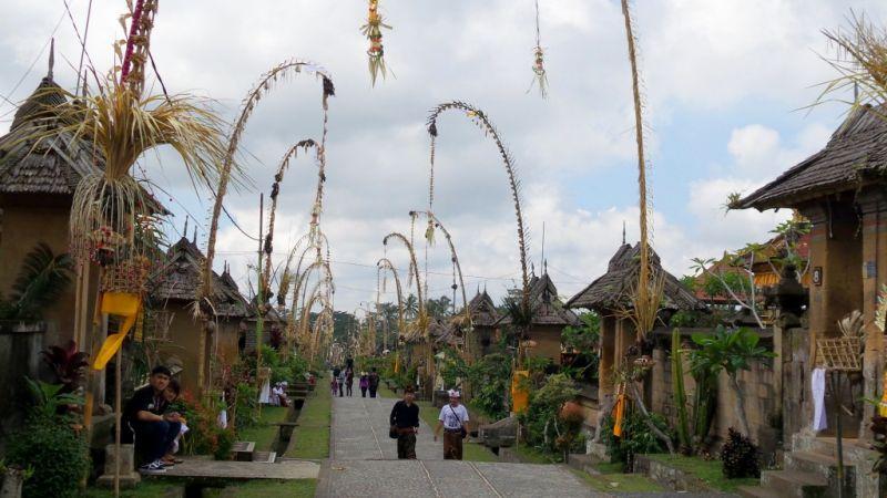 Bali_poimn