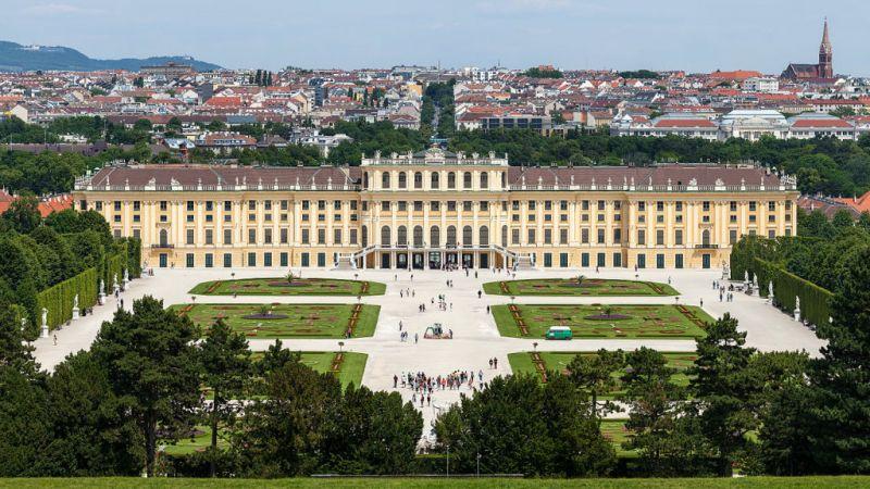 Discover Prague, Vienna and Budapest  2018 - 10 Day Tour