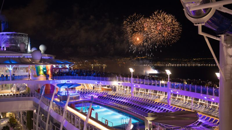 Eastern Caribbean Cruise on-board the Symphony of the Seas - Dec.19