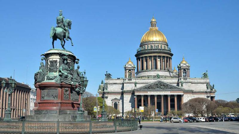 Highlights of St Petersburg and Moscow