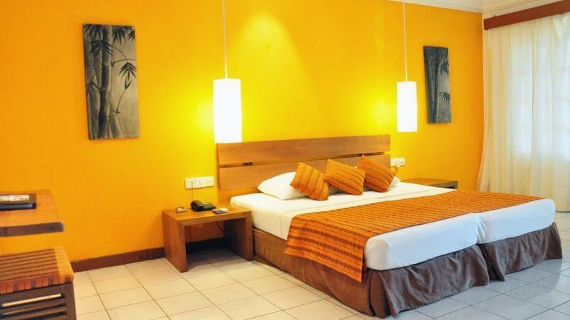 Maldives - 4 star Adaaran Hudhuranfushi Resort - Book by 15 Dec.17