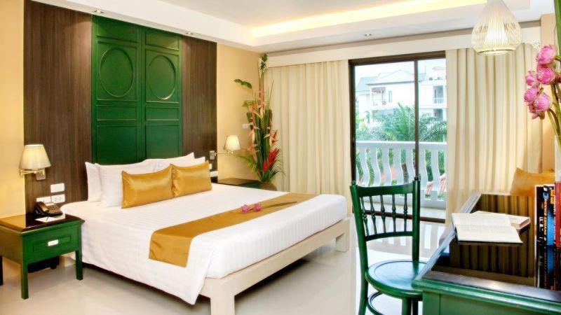 Phuket - 4 star The Old Phuket Hotel - 7 nights