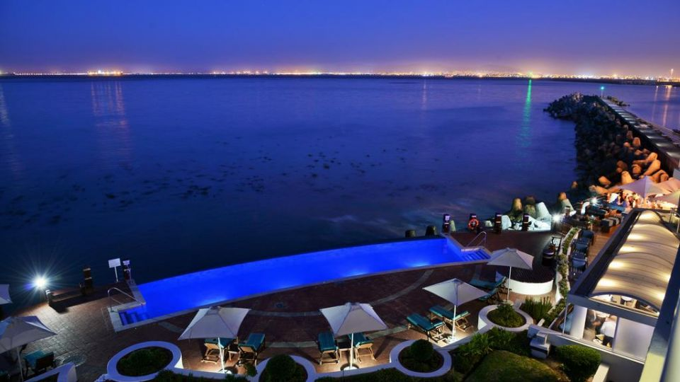 Photo of package Cape Town - Radisson Blu Waterfront - 2 Night Romantic Escape - Valid until 30 Aor.21