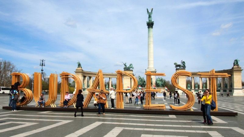 Photo of package Budapest to London Tour - Trip for 18-39 Year olds only