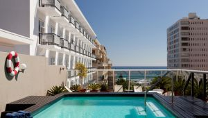 Cape Town - 3 star Protea Hotel by Marriot - 3 nights