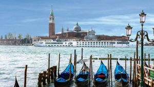 Uniworld - Luxury River Cruise - Gems of Northern Italy